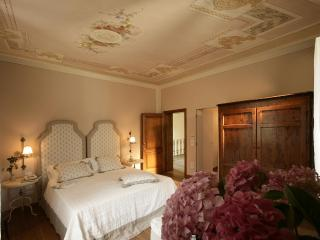4 Bedroom Country Guest House in Tuscany - Montaione vacation rentals