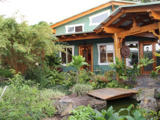 Big Island Farmstay – Sunset Suite w/ Ocean View - Kealakekua vacation rentals