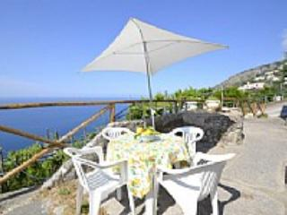 Casa Romilda B - Furore vacation rentals