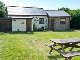 CONTENTION BARN, romantic retreat, pet-friendly, next to pub in Penhallow Ref. 20090 - Penhallow vacation rentals