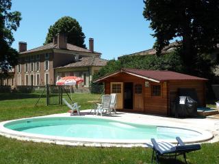 Chambres d'hotes de charme - Aiguillon vacation rentals