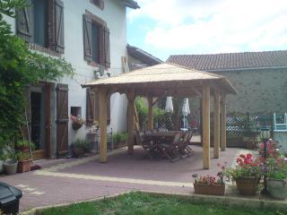 Maison Taupe - Oradour-sur-Vayres vacation rentals