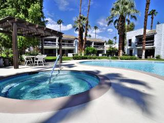 On Sale! Remodeled 2bed/2bath Condo Get-A-Way - Palm Springs vacation rentals