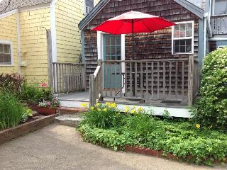 Quiet Intown Cottage by Front Beach - North Shore Massachusetts - Cape Ann vacation rentals
