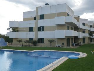 Beautiful 2 Bedroom Apartment w/swimming pool - Altura vacation rentals