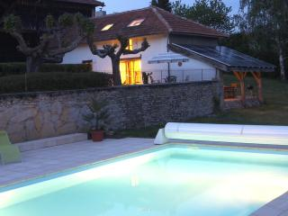 Idyllic Pyrenees cottage, pool, magnificent views - Saint-Blancard vacation rentals