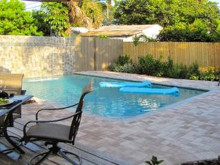 WILTON BUNGALOW WEST, 2Bed/2Bath, Pool, Quiet Area - Fort Lauderdale vacation rentals