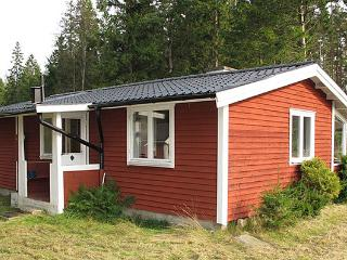 Rental house in Southern Sweden in beautiful nature between 2 lakes. - West Coast vacation rentals