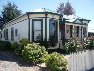 Villa Rosa - Charming turn of the century Villa - Martinborough vacation rentals