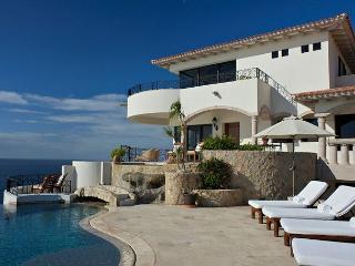 Villa La Roca offers the perfect blend of privacy, luxury and ultimate beauty - Cabo San Lucas vacation rentals