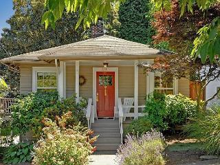 Classic Craftsman in Great Seattle Neighborhood!- Sea to Sky Rentals! - Seattle Metro Area vacation rentals