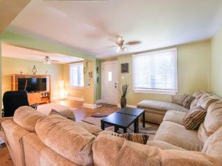 Home Away Retreat - - Niagara Falls vacation rentals