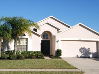 Lakeside Villa will pool/spa minutes from Disney - Clermont vacation rentals