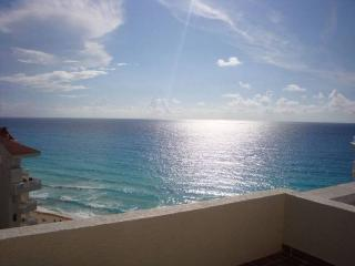 Ocean Front Cancun 1 Bedroom PENTHOUSE - Cancun vacation rentals