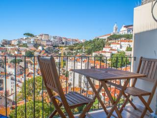 Castelo Apartment with great view! - Lisbon vacation rentals