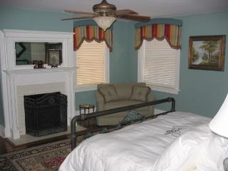 2BR 2BA - Wedding Cake Garden Suite (sleeps max 6) - Savannah vacation rentals