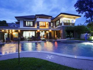 Magnificent Villa with Private Swimming Pool - Chiang Mai vacation rentals