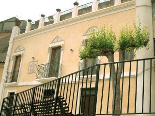 Palazzo Lupis, B&B - Grotteria, Calabria, Italia - Marina di Gioiosa Ionica vacation rentals