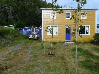 EAST COAST TRAIL COTTAGE BY THE SEA - Newfoundland and Labrador vacation rentals