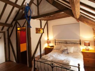 Stunning 3 bed cottage in the heart of Woodstock - Buckinghamshire vacation rentals