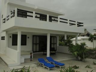 Beachfront villa in quaint fishing village El Cuyo - El Cuyo vacation rentals