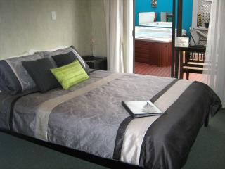 Rotorua City Homestay B&B, Room 1 - Rotorua vacation rentals