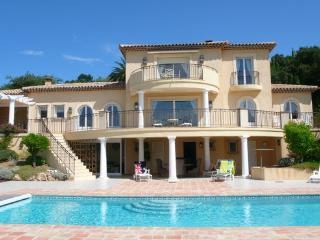 Sainte-Maxime Holiday Rental with a Pool and Garden - Saint-Maxime vacation rentals
