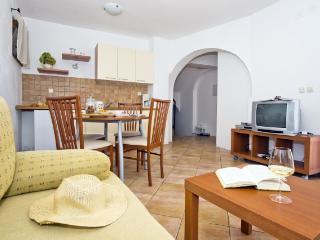 Apartments Marija - 25032-A1 - Banj vacation rentals