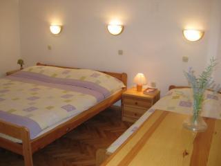Apartments Marija - 25032-A4 - Banj vacation rentals
