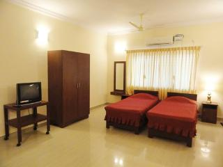 TULIPS HOMESTAY : A/C DELUXE STUDIO ROOM, A1 - Karnataka vacation rentals
