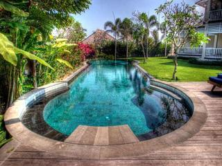 Pool and garden - Villa Surgawi Luxury Bali Villa Rental - Bali - rentals