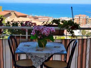Roomantic & comfy  studio with balcony & seaview - Pollina vacation rentals