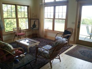 peaceful 2 bedroom retreat - Hardwick vacation rentals