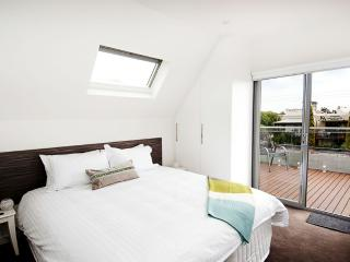 Position Perfect - Balcony Views - Ascot Vale vacation rentals