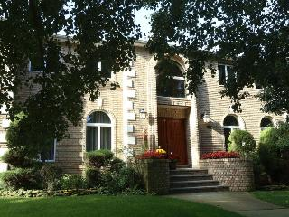 BEAUTIFUL 4BR/4BA HOUSE, New York, Staten Island. - Staten Island vacation rentals