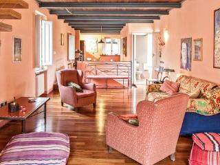 La Fratta Splendid Attic with 2 bathrooms and View on Lucca city centre with internet wifi - Lucca vacation rentals
