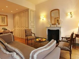 Grand Honoré:Wonderful 2BD rue Saint Honoré 5 People - Paris vacation rentals
