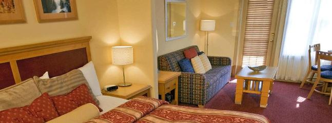 Second bedroom (studio unit) - 2 BR luxury apartment Carriage Hills - Ski Resort - Barrie - rentals
