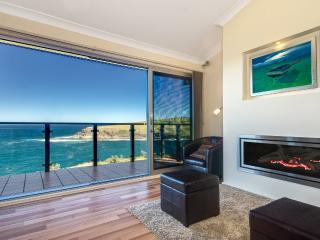 Ocean 360 on the Bay - breathtaking ocean views - Kiama vacation rentals