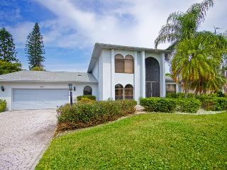 Villa Lucky Tee on a golf course, Cape Coral - Cape Coral vacation rentals