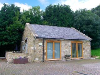 THE LODGE, stone-built, detached, open plan studio accommodation, romantic retreat, in Horsley near Heddon-on-the-Wall, Ref. 297 - Northumberland vacation rentals