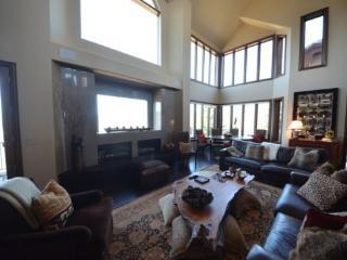 Contemporary 5BR Bedroom Home in Cordillera, sleeps 10 - Edwards vacation rentals