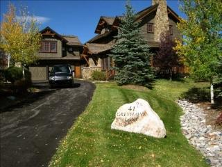 Exquisite 5BR Cordillera Home with Private Hot Tub and Sleeps 14 - Edwards vacation rentals