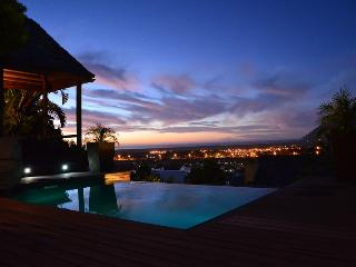 Terrace Suite - Jacuzzi bath and infinity pool. - Fish Hoek vacation rentals