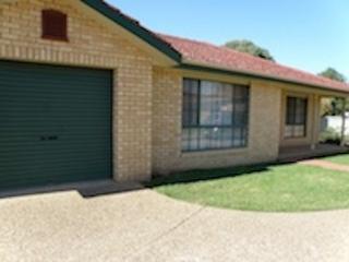 Chambers Place pet friendly Villa - Wagga Wagga vacation rentals