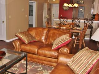 2B/2B Branson MO Condo  Golf View  Near Clubhouse - Lampe vacation rentals