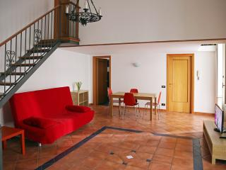 Spaghetti home near the cathedral - Naples vacation rentals