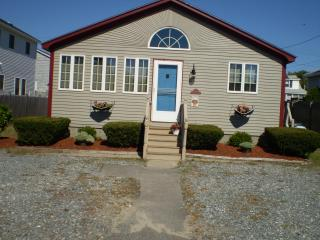 Seabrook , NH family cottage - Seabrook vacation rentals