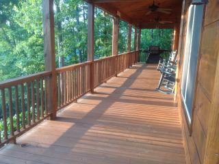 You are close to Heaven when you are at The Twin Peaks - Murphy vacation rentals
