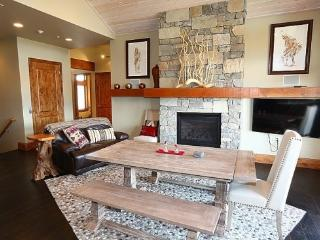 Custom Home With Views From Every Window Minutes from Powder Mountain and Snowbasin - Eden vacation rentals